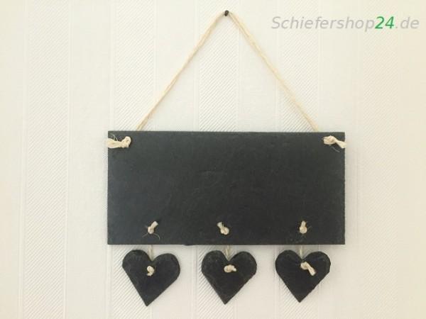 Schieferplatte Wandtafel mit angehängten Herzen